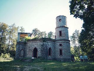 Romantická atmosféra na letohrádku Babylon (Slovensko)
