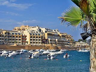 Fotogalerie z maltského Paceville (Malta)