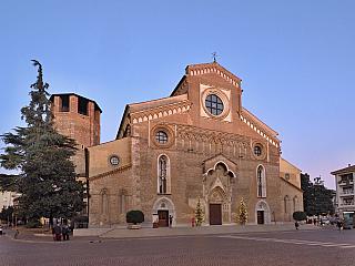 Katedrála v Udine je jedním z míst, co nesmíte minout cestou na jih Evropy (Itálie)