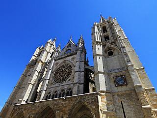 Katedrála Panny Marie v Leónu přinese vzpomínku na gotiku (Španělsko)