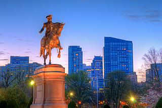 Jedno znejvětších amerických měst, které se rozprostírá na východním pobřeží a je úzce spjaté nejen sranou historií státu, jenž se stal světovou velmocí číslo jedna. Boston je symbolickým srdcem státu Massachusetts, nabídne několik proslulých mrakodrapů, ale i mnohem starší budovy. Vaše první...