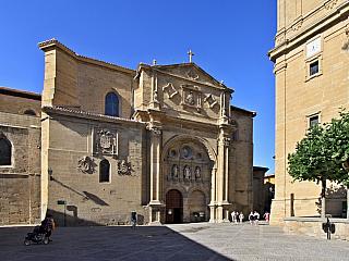 Chrám v Santo Domingo de la Calzada, který je další ze zastávek na svatojakubské cestě, populární pouti nejen mezi středověkými věřícími, nese jméno svatého Dominika zCalzady, rodáka zVitorie, syna sedláka jménem Ximeno García, později benediktinského mnicha a také poustevníka hledajícího...