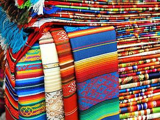Tento víkend jsme se rozhodli napravit naše dosavadní opomíjení Ekvádoru na sever od Quita. Pouze kdysi dávno na začátku jsme vyjeli do Otavala a Ibarry a pak už nic. Tak jsme vyrazili do městečka El Angel (v některých mapách ho najdete pod jménem Espejo), nachází se v provincii Carchi blízko...