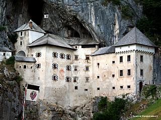 Predjama - hrad ve skále (Slovinsko)
