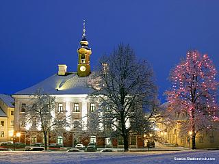 """9. den 15. 6. 2006, čtvrtek Sankt Petěrburg – Ivangorod (vše RUS) – Narva – Kuremäe – Kasepää (Čudské jezero, Peipsi järv) - Tartu (vše EST) – Valmiera (LAT) Začínáme netradičně o půlnoci, protože je v plánu projížďka městem nazvaná """"bílé noci"""". Nastupujeme do připraveného ruského..."""