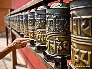 Každému sa pri vyslovení Kathmandu vynoria určite hneď Himaláje a veľké treky. Napríklad okolo Annapurny alebo do Mt. Everest Base Campu. Ale Kathmandu a okolie skýtajú aj jednoduchšie a na výhľady takisto zaujímavé treky. O jeden z nich by som sa s Vami chcel podeliť. Miestna cestovka v...