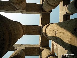 Amonův chrám Karnak v Luxoru (Egypt)