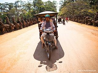 Dopravní prostředek tuktuk (Kambodža)