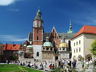 Pokud jakýkoliv turista zavítá k naším severním sousedům, tak místem, které ze svého itineráře rozhodně nevynechá, je Krakov. Po 560 let byl hlavním městem Polského království. Je bezesporu nejkrásnějším a také nejzajímavějším městemPolska. Po zásluze je nejčastěji navštěvovanou turistickou...