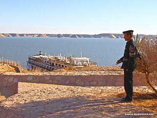 Asuánská přehrada - neboli Násirovo jezero (Egypt)
