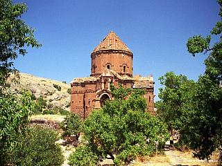Akdamar – ostrovní arménský kostelík (Turecko)