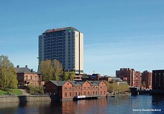 Finsko, nebo-li Finská republika, je země ležící na severu Evropy. Sousedy Finska je Rusko, Švédsko, Norsko, přes moře Estonsko a jeho břehy omývají vlny Baltského moře, Finského zálivu a Botnického zálivu. Přestože je Finsko osmou největší zemí v Evropě, žije zde pouze 5,5 miliónů obyvatel, z...