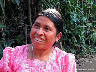 Guatemala má vsoučasné době 15,5 milionu obyvatel, její rozloha pak činí 109 tisíc čtverečních kilometrů. Mezi její sousedy se řadí Belize, Salvador, Honduras a Mexiko. Do Guatemaly se jezdí hlavně kvůli tomu, že je zde spoustu památek na někdejší mayskou civilizaci. Tak třeba vnárodním parku...